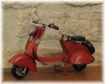 Medium/Small Vespa Red